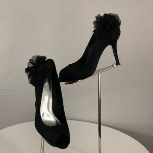 $60 WHBM wedding black satin peep toe shoes size 8